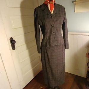 Dress suit